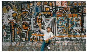 Palmer at Berlin Wall 2