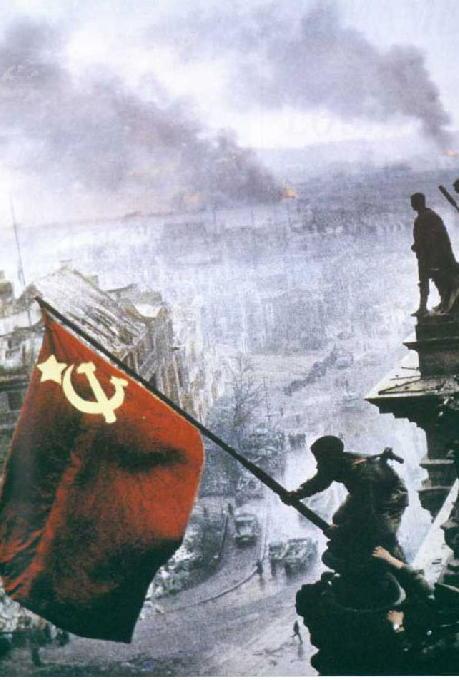 Gran Guerra Patría (Segunda Guerra Mundial) Soviet%20Flag%20Over%20Reichstag